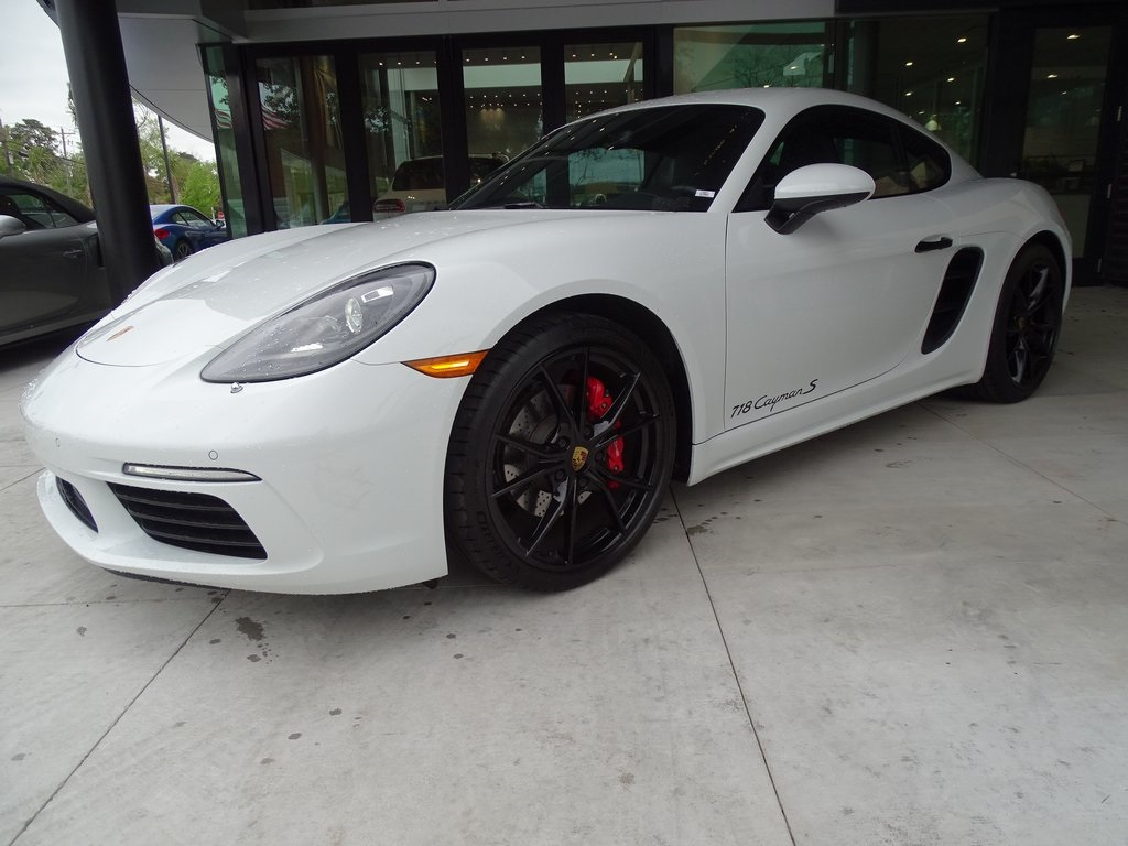 Certified Pre-Owned 2018 718 Cayman S