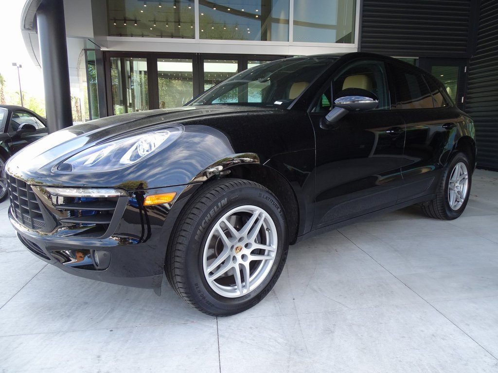 Certified Pre-Owned 2018 Macan Demo