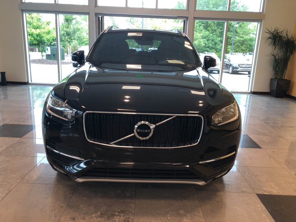 Pre-Owned 2016 Volvo XC90 T6 Momentum